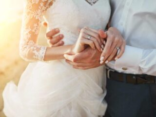 4 Keys To A Thriving Catholic Marriage – 2021 Guide